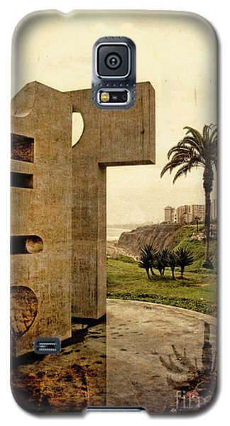 Galaxy S5 Case featuring the photograph Stelae In The Park - Miraflores Peru by Mary Machare