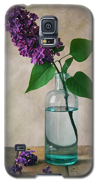 Galaxy S5 Case featuring the photograph Still Life With Fresh Lilac by Jaroslaw Blaminsky