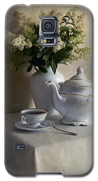 Still Life With White Tea Set And Bouquet Of White Flowers Galaxy S5 Case