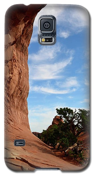 Galaxy S5 Case featuring the photograph Stoic Stone Arch In Utah by Bruce Gourley