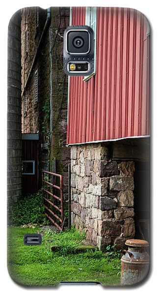 Stone Barn With Milk Can Galaxy S5 Case
