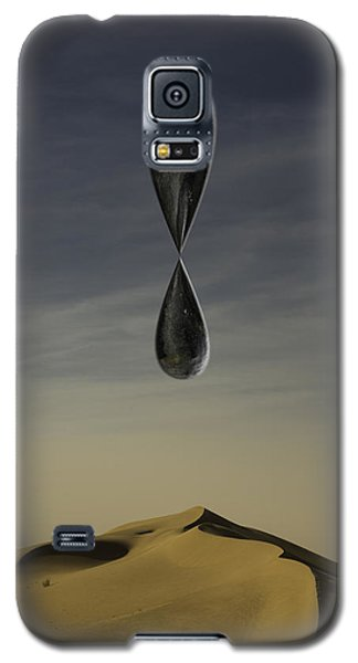 Stone Drip Over Dunes One Galaxy S5 Case by Kevin Blackburn
