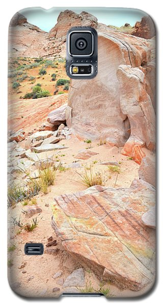 Galaxy S5 Case featuring the photograph Stone Tablet In Valley Of Fire by Ray Mathis