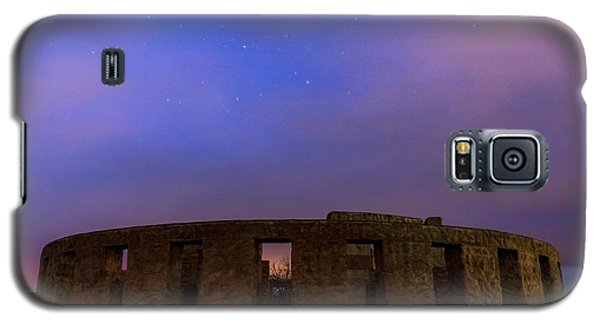 Galaxy S5 Case featuring the photograph Stonehenge Sunrise by Cat Connor