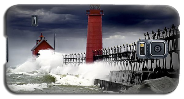 Storm At The Grand Haven Lighthouse Galaxy S5 Case