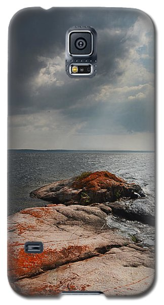 Storm Clouds Over Wall Island Galaxy S5 Case