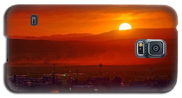 Galaxy S5 Case featuring the photograph Storm In The Desert by Peter Thoeny