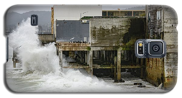 Storm Waves Hit Aeneas Ruins At Cannery Row Galaxy S5 Case