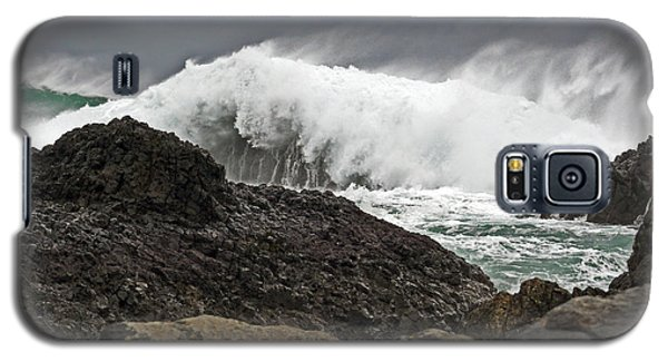 Stormy Day At Ballintoy Harbour Galaxy S5 Case