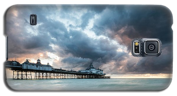Stormy Sunrise Over Eastbourne Pier Galaxy S5 Case