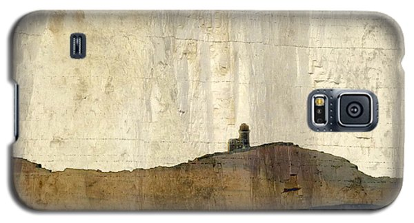 Galaxy S5 Case featuring the photograph Strata With Lighthouse And Gull by LemonArt Photography
