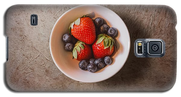 Strawberries And Blueberries Galaxy S5 Case