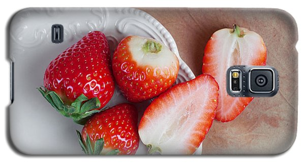 Strawberries From Above Galaxy S5 Case