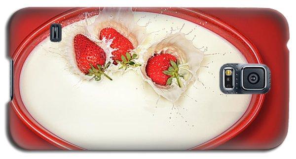Strawberries Splashing In Milk Galaxy S5 Case