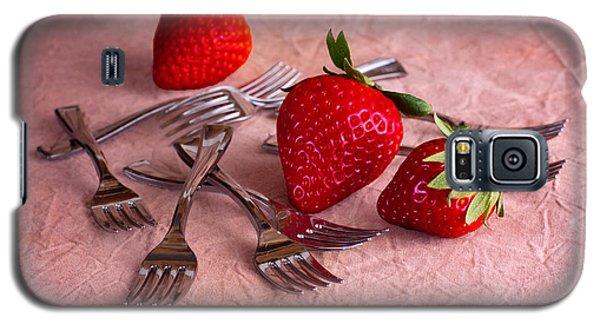 Strawberry Delight Galaxy S5 Case by Tom Mc Nemar
