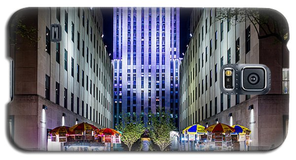 Galaxy S5 Case featuring the photograph Rockefeller Center by M G Whittingham