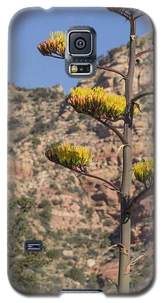 Stretching Tall Galaxy S5 Case