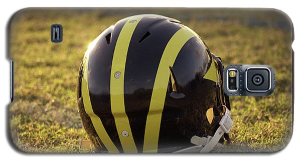 Striped Wolverine Helmet On The Field At Dawn Galaxy S5 Case