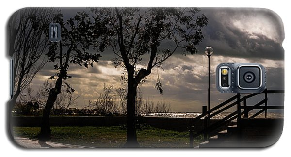 Strolling The Waterfront On A Stormy Day Galaxy S5 Case