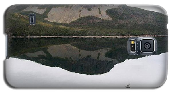 Galaxy S5 Case featuring the photograph Sugarloaf Hill Reflections by Barbara Griffin