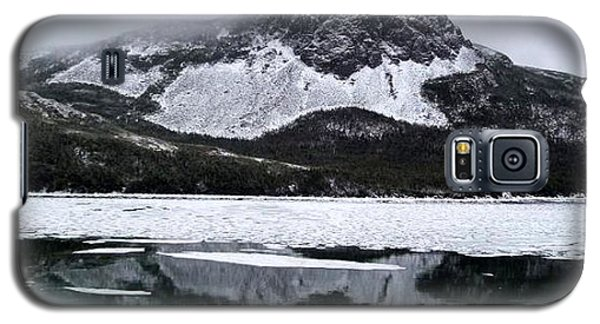 Galaxy S5 Case featuring the photograph Sugarloaf Hill Reflections In Winter by Barbara Griffin