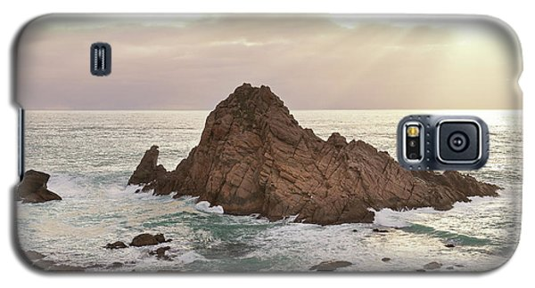 Galaxy S5 Case featuring the photograph Sugarloaf Rock Sunset by Ivy Ho