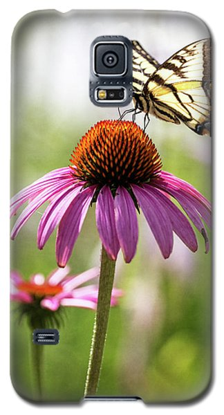 Galaxy S5 Case featuring the photograph Summer Colors by Everet Regal