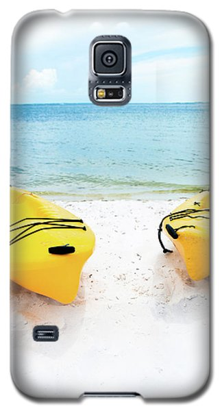 Galaxy S5 Case featuring the photograph Summer Colors On The Beach by Shelby Young