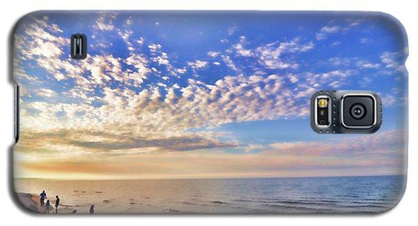 Galaxy S5 Case featuring the photograph Summer Daydream by John Hansen