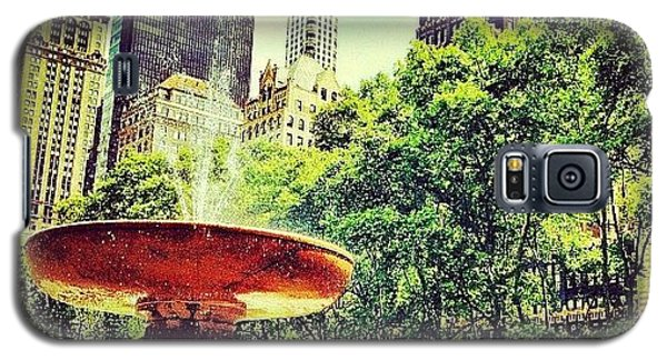 Summer In Bryant Park Galaxy S5 Case by Luke Kingma