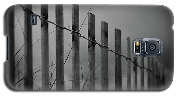 Galaxy S5 Case featuring the photograph Summer Storm Beach Fence Mono by Laura Fasulo