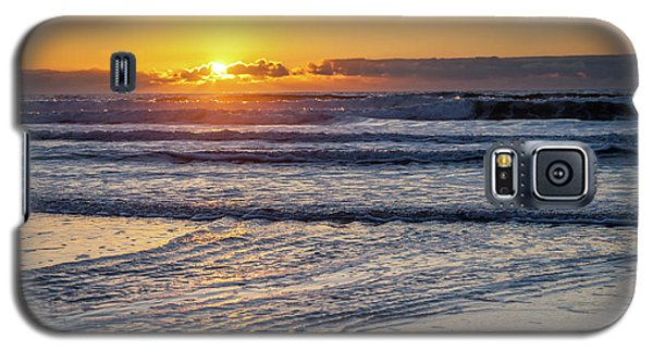 Sun Behind Clouds With Beach And Waves In The Foreground Galaxy S5 Case