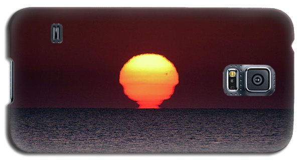 Galaxy S5 Case featuring the photograph Sun by Bruno Spagnolo