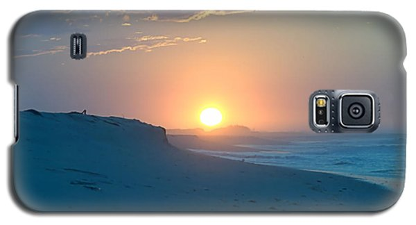Galaxy S5 Case featuring the photograph Sun Dune by  Newwwman