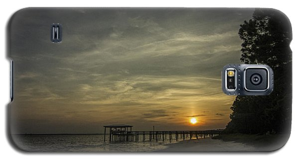 Sun Going Down Behind Dock Galaxy S5 Case by Dorothy Cunningham