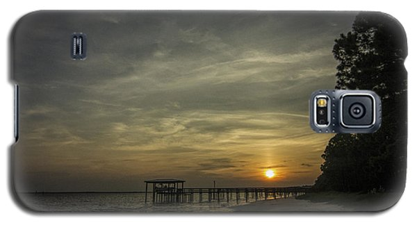 Sun Going Down Behind Dock Galaxy S5 Case