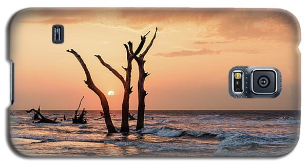 Bull Galaxy S5 Case - Sun Is Up by Ivo Kerssemakers