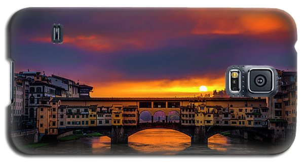 Galaxy S5 Case featuring the photograph Sun Rises Over The Ponte Vecchio by Andrew Soundarajan