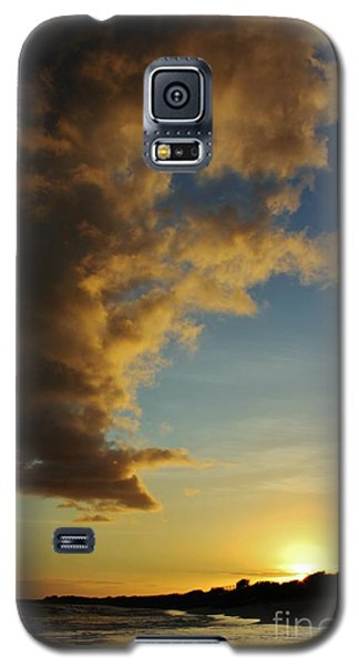 Galaxy S5 Case featuring the photograph Sun Sea And Cloud by Craig Wood