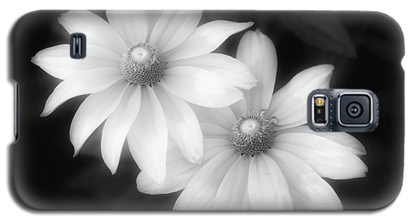 Sun Sisters In Black And White Galaxy S5 Case