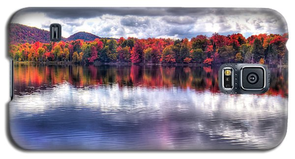 Galaxy S5 Case featuring the photograph Sun Streaks On West Lake by David Patterson