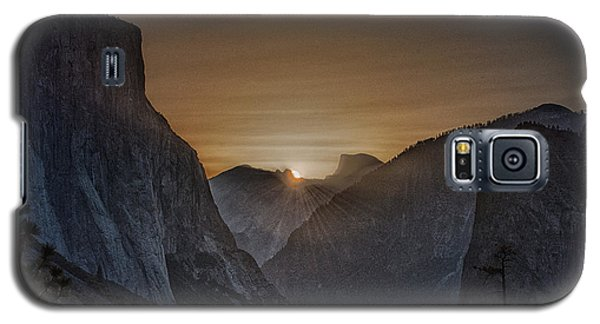 Sunburst Yosemite Galaxy S5 Case by Bill Roberts