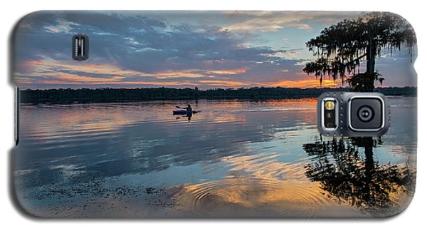 Galaxy S5 Case featuring the photograph Sundown Kayaking At Lake Martin Louisiana by Bonnie Barry