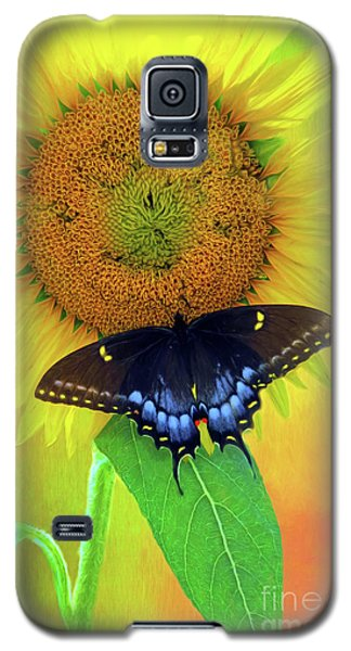 Sunflower With Company Galaxy S5 Case by Marion Johnson