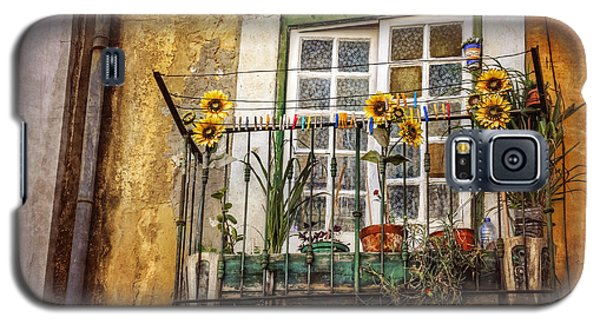 Sunflowers In The City Galaxy S5 Case by Carol Japp