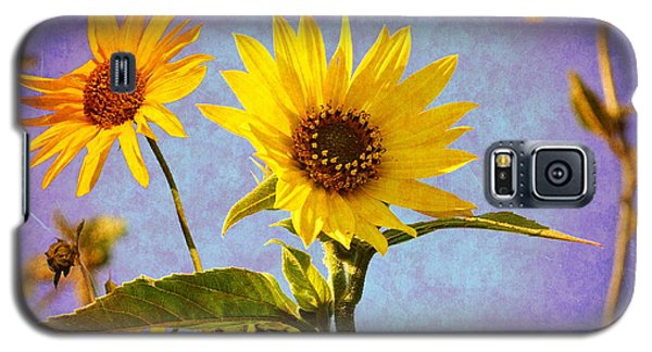 Galaxy S5 Case featuring the photograph Sunflowers - The Arrival by Glenn McCarthy Art and Photography