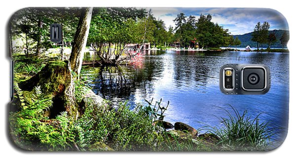 Galaxy S5 Case featuring the photograph Sunlit Shore At Covewood by David Patterson