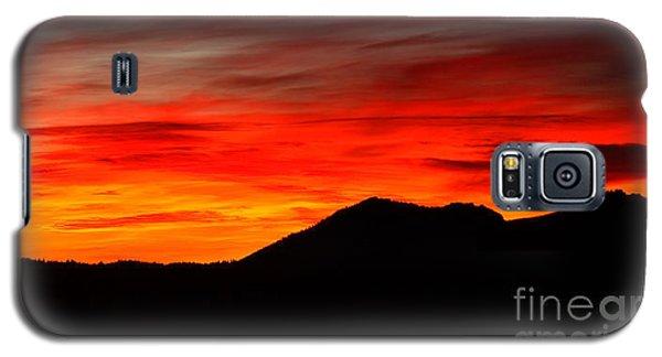 Sunrise Against Mountain Skyline Galaxy S5 Case by Max Allen