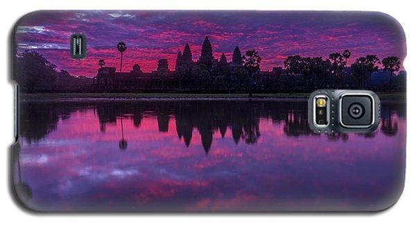 Sunrise Angkor Wat Reflection Galaxy S5 Case by Mike Reid