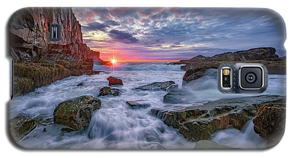 Sunrise At Bald Head Cliff Galaxy S5 Case by Rick Berk